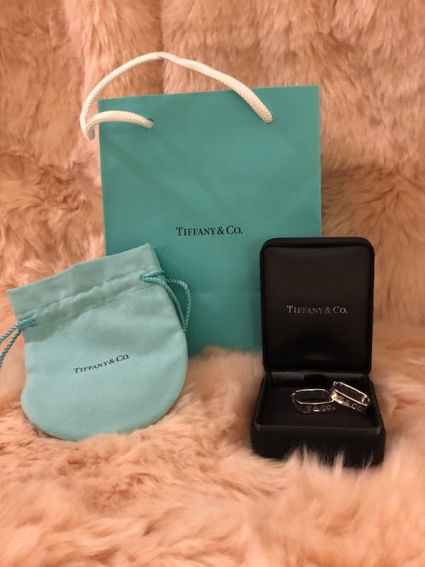 Authentic Tiffany and Co 1837 Square Round Hoop Earrings f7f78de6-35d5-40be-928f-f938c41e02cd