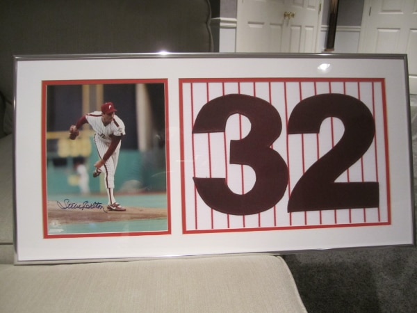 Autographed photos with Jersey swatches - framed & matted ad992520-3db7-48db-beb9-66ded1192e85