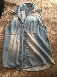 Sleeveless denim studded shirt Las Vegas, 89115