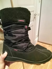 unpaired black Viking snowboard boot Oslo, 0774
