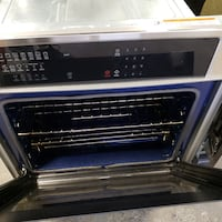 HOT DEAL ON OVEN ELECTROLUX MOD EI30EW35PSC WITH WARRANTY! TORONTO