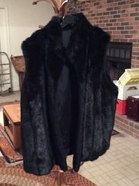 black fur zip-up jacket Hyattsville, 20782