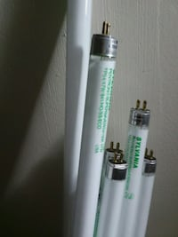 white and green tube type vape with box 76 km