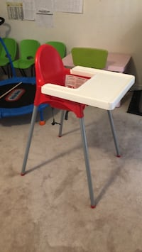 Ikea high chair with tray Toronto, M1L 0G1
