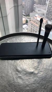 Rae Morris Magnetic Tray & Brushes Seattle, 98101