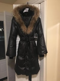 Brand new ladies down filled winter coat 528 km