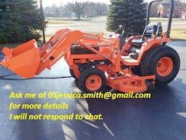 farm2OO1 Kubota Tractor B2710HST 4x4 3rd function hyd on loader.Quick Attach Loader, ONLY 320 Hours hydrostatic drive in Good condition.