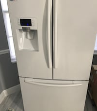 Samsung white refrigerator with freezer drawer