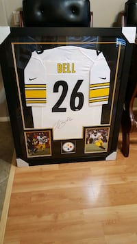 Framed Autographed Le'Veon Bell Jersey  Perris, 92571