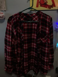 Red Plaid light sweater  North Vancouver, V7M 1G4