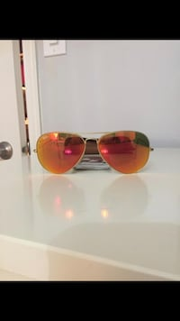 Gold-framed tinted ray-ban aviator Vaughan, L4H 1R7