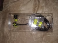 Monster clarity wired earbuds