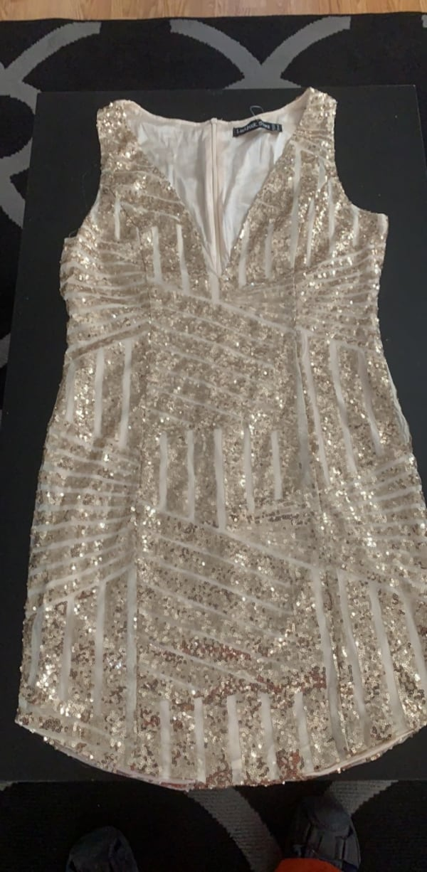 Gold dress  6b3e0339-3347-4e96-a063-f61c9fc5fbf8