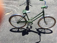 Schwinn girls kids bike good shape