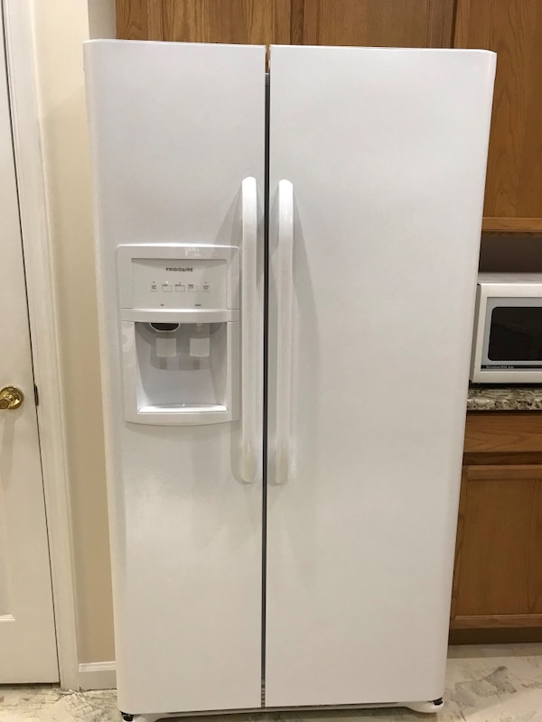Frigidaire 25 cu ft Side Doors Refrigerator