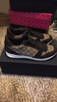 New coach sneaker  9 with box  Bermuda Dunes, 92203
