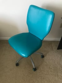 blue leather padded rolling chair Malden, 02148