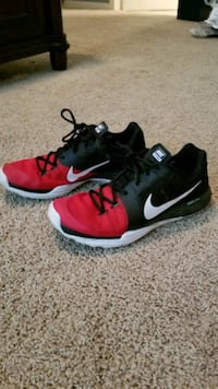 Nike Dual Fusion Trainers Sz. 11.5 Spring, 77388