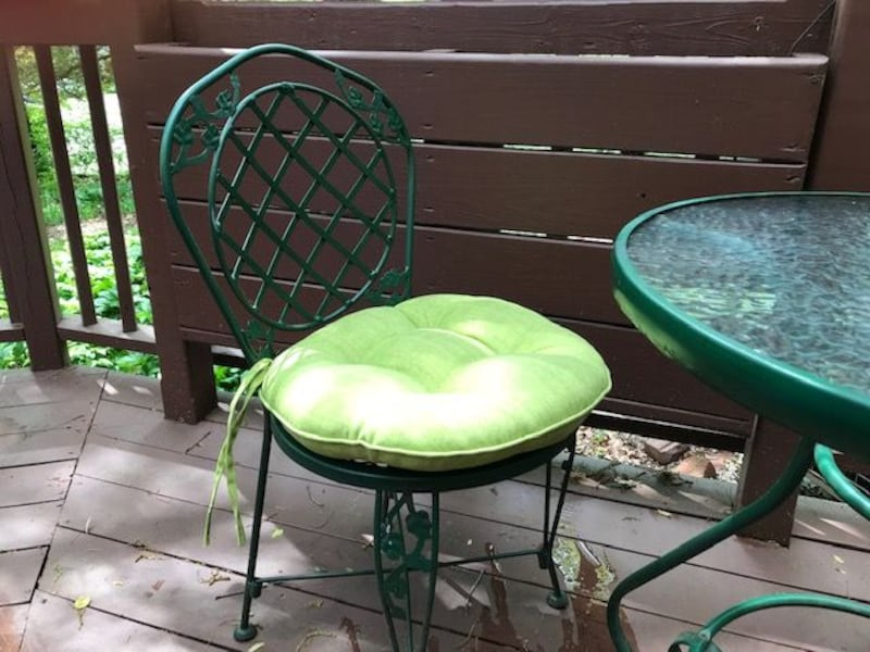 Set of two Small round outdoor chair cushions  d8efca00-4bde-4458-9fa4-a4daed257962