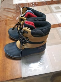 Brand new with tags Size 2 winterboots Mississauga, L5R 3E5