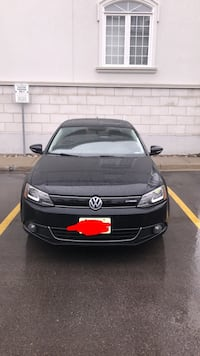 Volkswagen - Jetta with Navi, Sunroof - 2013 Richmond Hill
