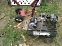 black and gray pressure washer Maize, 67101