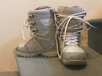 Women's 32 Snowboard Boots size 7.5