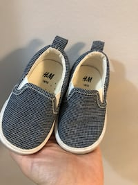 Hm toddler shoes size 18/19