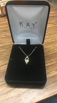 14k gold and Diamond kay jewelers pendant necklace Ottumwa, 52501