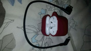 Apple Ipods with charger and ted cover case