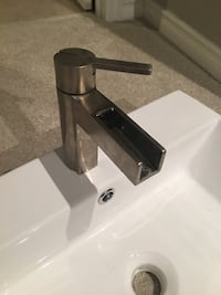 MODERN WATERFALL SINK AND FAUCET Grimsby, L3M 4H4