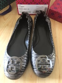 Tory Burch flats Authentic size 7.5 Surrey, V3S 8Y7
