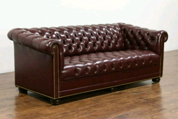 Chesterfield vintage leather tufted sofa couch