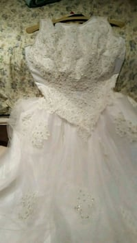 Beautiful Wedding Dress, like new Size 8 Ashburn
