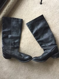 Ladies fill Grain black leather boots with a western look