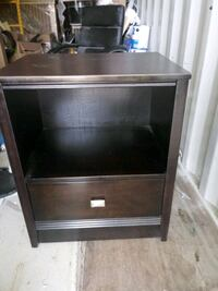 Selling a night stand its nice i need best offer  Charlotte, 28214