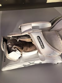 Bauer RX8 goalie blocker and catcher senior. Used for one season.  Vaughan, L4K 5R4