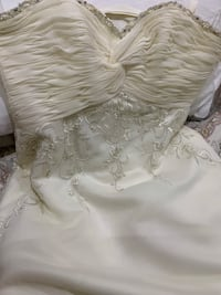 New Morí Lee wedding dress Toronto, M3M 1E6