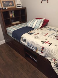 Twin  bed and chest DAVENPORT