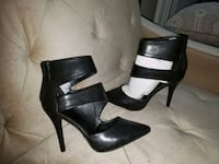 Never Worn Size 8.5M A.X.N.Y American Exchange Ankle Cutout Booties Charlotte, 28270