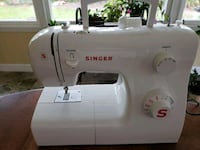 white Singer electric sewing machine New Port Richey, 34655