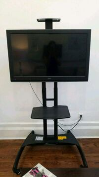 Seiki TV and Rolling TV Stand  New York, 10027