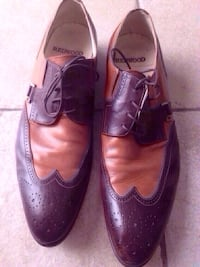 Pair of brown leather dress shoes pick up in Laval size 43 Italian shoes