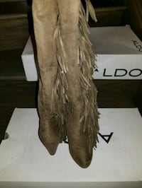 Used once boots  Brampton, L7A 0G4