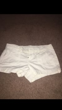 white and gray short shorts Des Moines, 50321