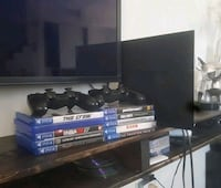 PS4 with 2 controllers & games included Toronto, M1R 3W4