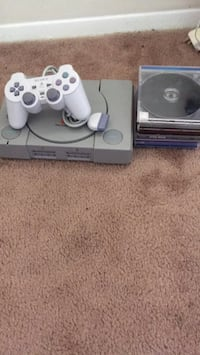 White sony ps1 console with controller games not included Newport News, 23601