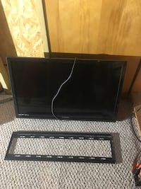 32 inch LED TV and Mount Rochester, 14617