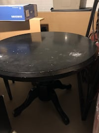 *Must go! Price reduction. Round kitchen table and chairs! Bowie, 20721