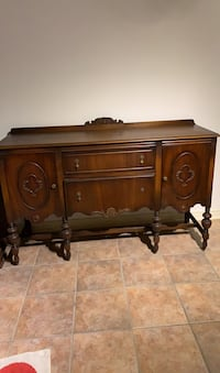 Antique Walnut Sideboard * Early 1900's * Excellent Condition! Toronto, M6J